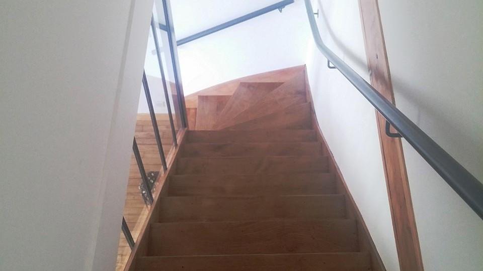 s curisation d un escalier par verri re guilbaud sas. Black Bedroom Furniture Sets. Home Design Ideas